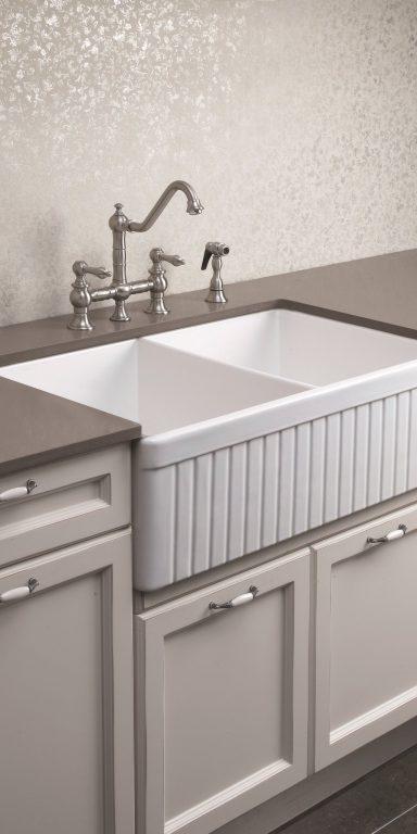 China Customized Australia Style Laminate Kitchen Cabinets